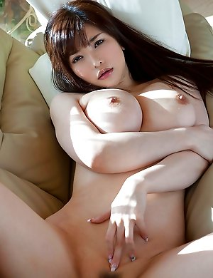 Huge tits Asian and Japanese babes pictures