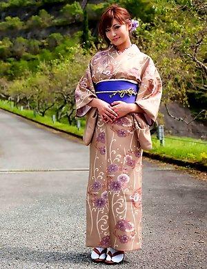 Fully nude photoshoot featuring big tits of an Asian Kirara Asuka